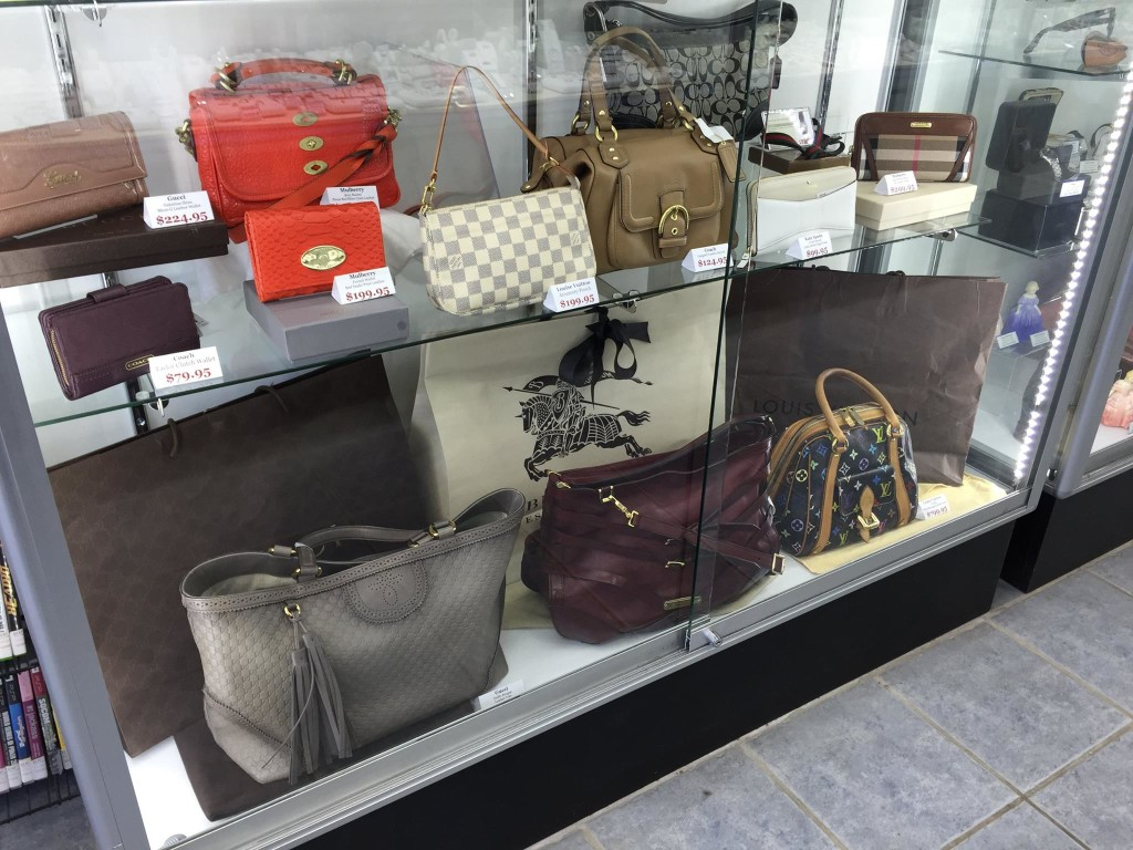 Cash Paid For Designer Purses and Wallets - Kelowna - Coach, Louis Vuitton, Gucci